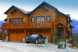 2598 Mountainview Cres