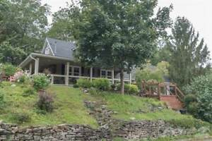 Homes for Sale in Paris, Ontario $679,900