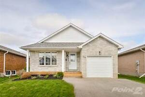 Homes for Sale in Fergus, Ontario $449,750