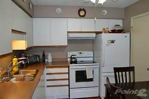 Condos for Sale in Perth County, STRATFORD, Ontario $149,900 Stratford Kitchener Area image 3
