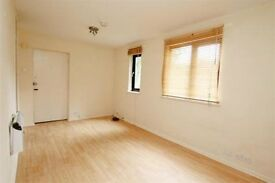 1 Bed studio apartment to let