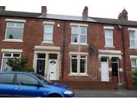 Two-bed flat to rent - excellent location - available now