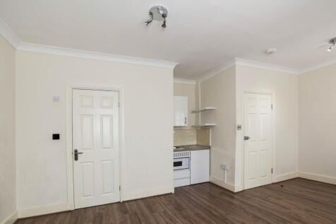 Studio to rent in ilford All bills included-£775