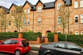 Stunning 2 Bedroom Ground Floor Apartment with private patio near Christie's Hospital