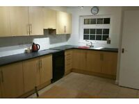 DOUBLE AND SINGLE BEDROOMS AVAILABLE TO RENT TODAY!!!!