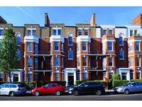 Big Luxury 4 bedroom flat in chelsea mansion block- off King's rd