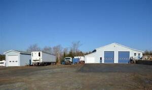 East Uniacke - Home PLUS Commercial Garage Space!