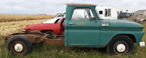 1965 Chevrolet C30 Cab & Chassis 292 6cyl 4spd PTO Hydraulics !