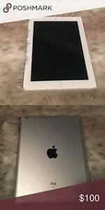 "Apple ipad 4th Generation 9.7"" With Retina Display Headphone & Cable WiFi 16gb White very good condition  $269"
