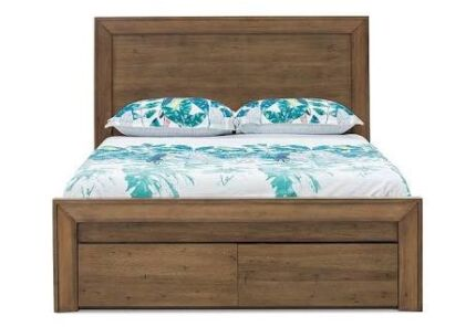 Madera Queen Bed