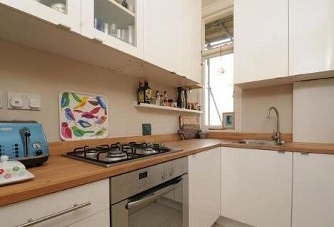 Amazing One Bedroom Conversion Flat in Period Building on Quiet Road in Streatham