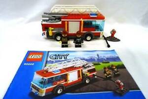 LEGO City set 60002 Fire truck with minifigures and instructions