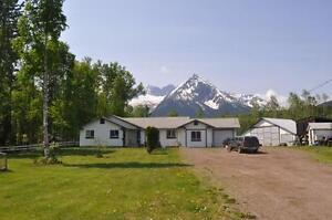 5.3  Acre Country Rancher with Immaculate View of Glacier