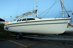 1993 Hunter 235 sailboat