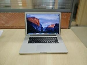 MacBook pro 15, i7, 4GB RAM, 500GB HD, macOS Sierra, Office