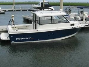 Looking to buy a 2359 trophy, Bayliner 246 or 266