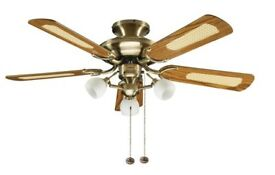 Fantasia Ceiling fan with 3 lights, in perfect condition.