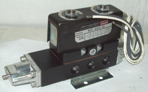 Ingersoll-Rand Aro 4 Way Pneumatic Air Valve Solenoid Operated 5641-8533-02