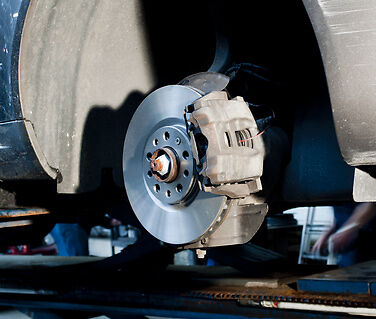 How to Take Care of Your Car's Braking System with the Correct Callipers and Parts