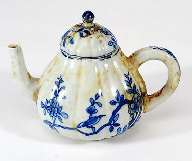 Top L&R A genuine & apparently poor copy CaMau teapot.Btm. Rare probable copy & genuine Hatcher Cargo teapots