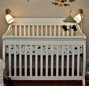 Crib + mattress + breathable bumper
