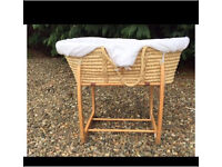 Moses Basket (straight stand)