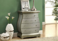 CHEST WITH 4 DRAWERS. REG 399 IN STORES CASAELITE.CA