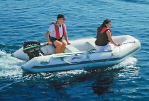 Zodiac Style Z Ray 500 Inflatable Boat with 9.8 hp Coleman Motor