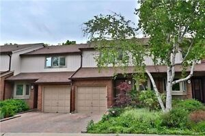 Lookng for Mature Professional to Share Large 4bdrm Townhome