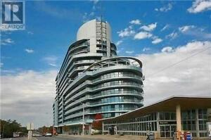**Luxurious 'Acr Condominium' At The Heart Of Bayview Village**