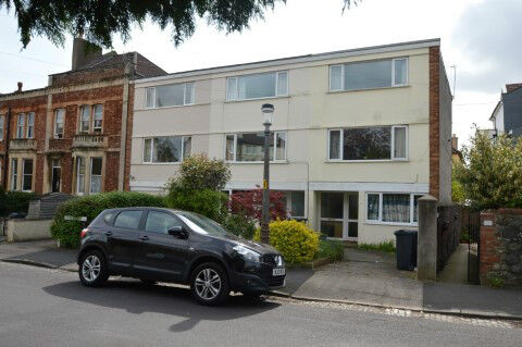 Great 5 double bed student house just off Chandos Road