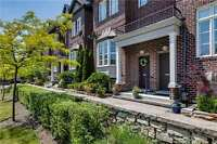 4+1 End unit Townhome, walk to subway and more!