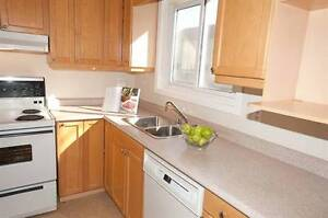 Whitby! Garden/Mary - Bright 3 bdrm Townhome with Basement!
