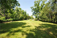 BUILD YOUR DREAM HOME BACKING ONTO THE CREDIT RIVER!