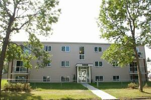 *INCENTIVES* 1 Bdrm in Adult Bldg Near Whyte Ave ~Jasmine