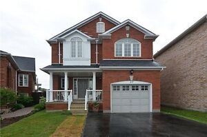 Whitby-4BR Detached family home in Cul-De-Sac