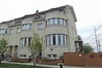Executive Townhouse Corner - Steps away from TTC $20K in FREE UP