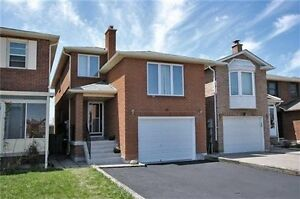 Spacious Sun Filled 3 bedroom House in Thornhill