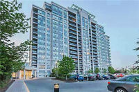 Condo in prime Thornhill location!