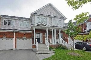 Townhouse 3 Bed, 2 Baths-Finished Basement