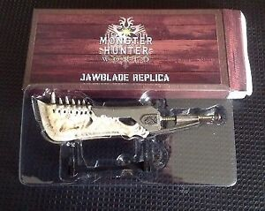 Monster Hunter Jaw Blade Replica NEW