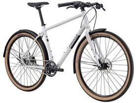 Pinnacle Chromium 2 hybrid bike- frame size L- as new