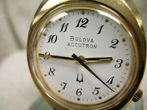WORKING VINTAGE 1976 BULOVA ACCUTRON 218 WATCH