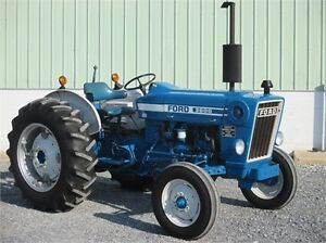 Ford tractor with equipment