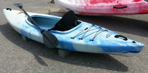Winner Thunder Kayak w/ Paddle