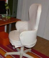 Chaise de bureau sur roulette en tissus blanc IKEA