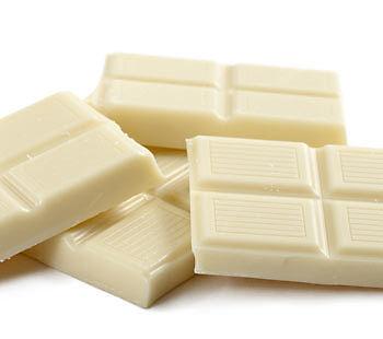 Weiß und unschuldig? Von wegen! Weiße Schoki ist eine Kalorienfalle. (Copyright: Thinkstock/ über The Digitale)