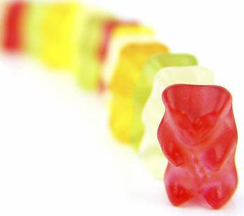 Gummibärchen zählen zu den kalorienärmeren Gelüsten. (Copyright: Thinkstock/ über The Digitale)