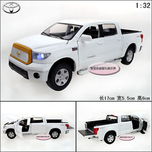 1-32-Toyota-Tundra-Alloy-Diecast-Model-Car-Toy-With-Sound-Light-White-B1994