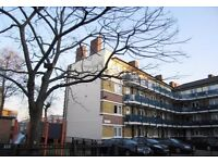 3 bedroom flat, newly decorated, close to Canary Wharf, NO DSS. 07825214488